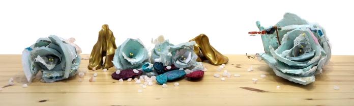 À fleur de peau, silicone, pièces d'argile, sel de l'Himalaya, 33 cm x 20 cm x 20 cm, 2019