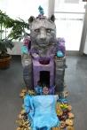 Temple de dormance, sculpture sur styromousse, peinture en aérosol, sculptures en argile peintes, cerne relief, 50 cm x 132 cm x 220 cm, 2018-2019
